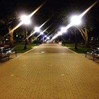 Das Foto wurde bei Military Walk von Fernando G. am 11/29/2013 aufgenommen