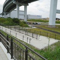 Photo taken at 尼崎の森中央緑地 by Yasushi O. on 7/6/2014