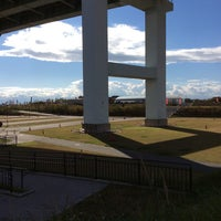 Photo taken at 尼崎の森中央緑地 by Yasushi O. on 11/19/2017