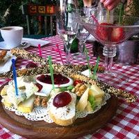 Снимок сделан в Кафе 1 / Cafe 1 пользователем Аня С. 6/16/2013