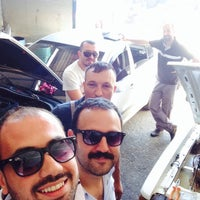 Photo taken at ŞAHİN LUXRY AUTO SERVİCE by Gorky on 6/1/2015