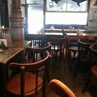 Das Foto wurde bei Café del Árbol von Valeria E. am 3/27/2013 aufgenommen