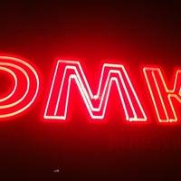Photo prise au DMK Burger Bar par William T. le9/17/2012