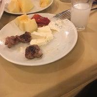 1/10/2017 tarihinde Semih C.ziyaretçi tarafından Gölköy Mangalbaşı & Reataurant'de çekilen fotoğraf