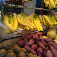 9/23/2012にFrancois D.がDeluxe Food Market 德昌食品市場で撮った写真
