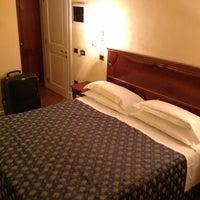 Photo taken at Lorenzo IL Magnifico Hotel Florence by Dilara Ç. on 1/16/2013