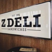 Foto scattata a Z Deli Sandwiches da Renata M. il 9/1/2018