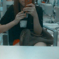 Foto tomada en Richard Hair Design por Jasmine H. el 11/1/2012