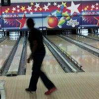 Photo taken at Bowl America by Shakira J. on 11/17/2012