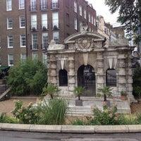 Photo prise au Whitehall Gardens par Алексей Л. le10/12/2013