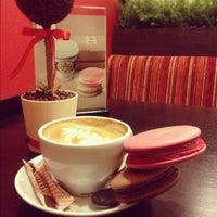 Снимок сделан в Traveler's Coffee пользователем Olya M. 10/29/2012