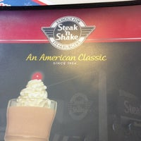 Photo taken at Steak 'n Shake by John J. on 11/8/2012