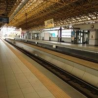 Foto tirada no(a) LRT 2 (Legarda Station) por Deo C. em 12/30/2012