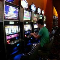 Foto tirada no(a) Casino del Hipódromo de Palermo por Alisson G. em 11/14/2012