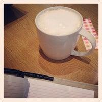 Photo taken at Starbucks by ぱぷや on 1/29/2014