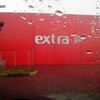 Foto tirada no(a) Extra Hipermercado por Eduardo A. em 12/31/2012