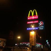 Photo taken at McDonald's / McCafé by Hafiz A. on 7/22/2017