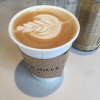 Foto tomada en Land of a Thousand Hills Coffee por Noemi R. el 1/7/2016