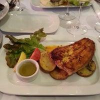 Das Foto wurde bei Nautilus Fischrestaurant von Zur Z. am 5/11/2013 aufgenommen