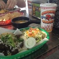 Das Foto wurde bei Torchy's Tacos von Amanda B. am 3/17/2013 aufgenommen