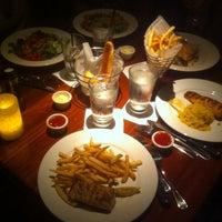 Photo taken at Stonewood Grill & Tavern by Francesc G. on 7/8/2014