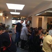 Photo prise au Caffé Al Dente par Spinette J. le8/9/2013