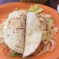 Foto scattata a El Mexicano Restaurant da Chris F. il 1/27/2017