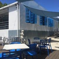9/27/2015にKarla S.がSantorini Ocean Lounge Restaurantで撮った写真