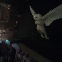 Photo taken at Instant Groove! Party Hostel by Hadhá on 9/22/2012