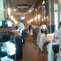 Foto tomada en Rosatto Restaurante por Miguel G. el 10/26/2012