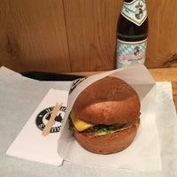 Das Foto wurde bei Ruff's Burger von Florian am 10/31/2017 aufgenommen