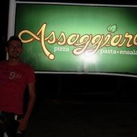 Foto diambil di Assaggiare oleh Amigosdemisslulu B. pada 10/16/2012