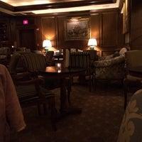 Foto scattata a The Bar at the Taj Boston da Munira il 2/24/2014