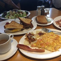 Photo taken at Mansion Restaurant by Karen B. on 8/16/2017