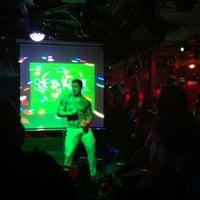 Foto tomada en Botas Bar por Ernesto T. el 9/29/2013