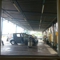 Photo taken at Automatic Car Wash (Jalan Bkt Awi) by Muhammad H on 7/12/2013