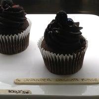 Foto scattata a Made Creative Bakery da Mike A. il 2/13/2013