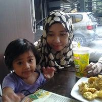 Photo taken at Tea House - Hypermart Kudus by Ayuthia P. on 10/19/2013