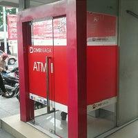 Photo taken at Bank CIMB Niaga by M Rifki S. on 10/19/2012