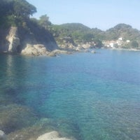 Photo taken at Spiaggia del Cotoncello by Francesco B. on 9/18/2012