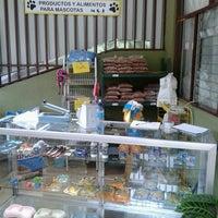 Photo taken at Productos y alimentos para mascotas M & J by Xiomara J. on 6/19/2013