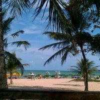 Foto tirada no(a) Praia de Tambaú por Lúcia M. em 12/31/2012