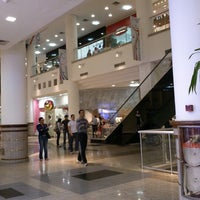 Photo taken at Maringá Park Shopping by Willians (. on 10/12/2012