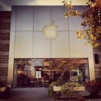 Photo taken at Apple by Damian G. on 10/15/2012