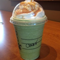 Photo taken at Starbucks by Hanh D. on 5/7/2013