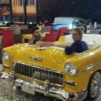 9/14/2013 tarihinde Fatih M.ziyaretçi tarafından Big Yellow Taxi Benzin'de çekilen fotoğraf
