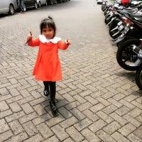 Photo taken at Kantor Imigrasi Kelas 1 Jakarta Pusat by Ami S. on 11/22/2016
