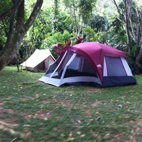 Photo taken at Camping Alta da Serra by Julielton J. on 11/25/2013