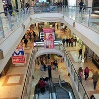 Снимок сделан в Shopping Mariscal пользователем Francisco R. 7/21/2013