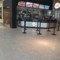 Photo taken at Burger King by Túlio M. on 5/9/2013